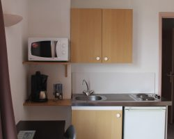 Studio cabine 2-4 personnes kitchenette