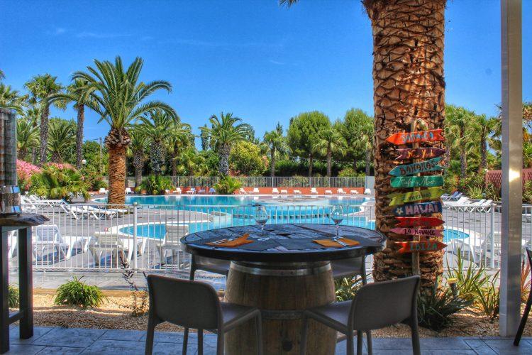 Bar en vue piscine